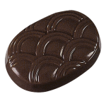 Oval praline with pattern