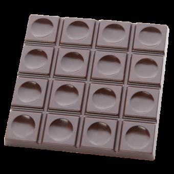 Quadrattafel mit Dellen
